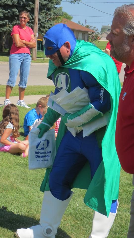 Advanced Disposal's Eco Man and Campbellsport elementary school children
