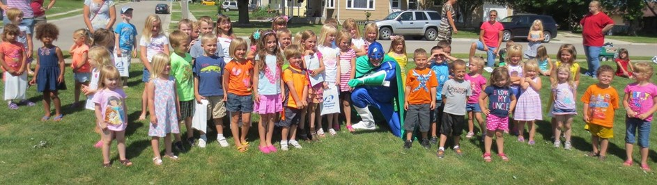 Advanced Disposal's Eco Man and Campbellsport elementary school children (1)
